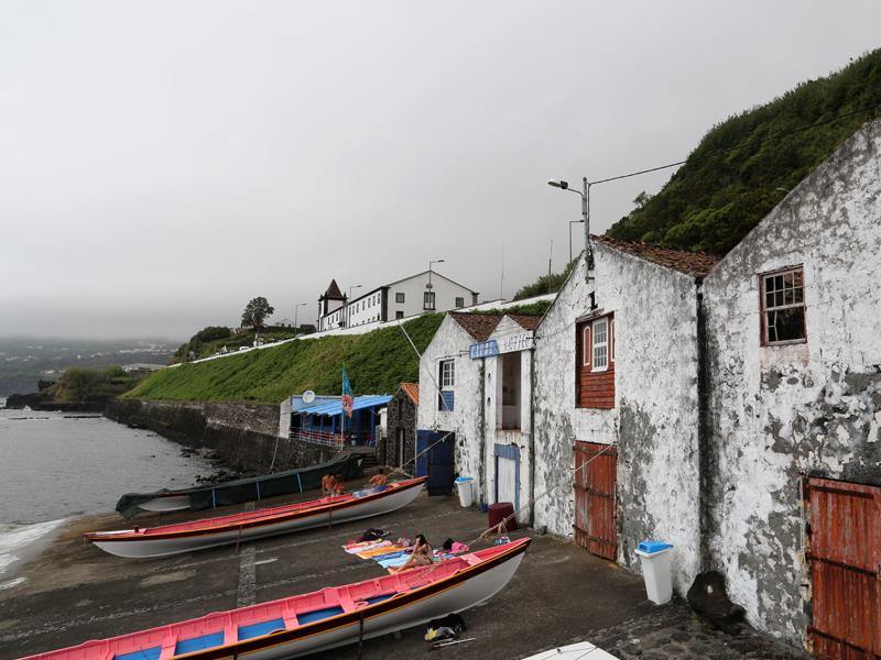 Die alte Walfabrik beherbergt heute den Wassersportverein